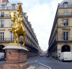 Statue de Jeanne d'Arc - English: Pyramides street - Paris