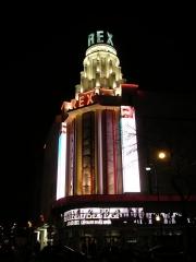 Cinéma Rex -  Le cinéma et salle de spectacle le Grand Rex à Paris, à l'angle du Boulevard Bonne Nouvelle et de la rue Poissonnière dans le deuxième arrondissement.