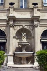 Fontaine publique -  Fontaine Gaillon, famous parisian restaurant in the 2nd arrondissement.