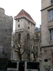 Ancien hôtel des ducs de Bourgogne : Tour de Jean Sans Peur -  Paris, Hôtel de Bourgogne, Tour Jean sans Peur