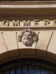 Ancien hôtel de Metz de Rosnay, ou hôtel de Forceville, ou hôtel Vigier - English: Mascaron of the hôtel de Metz de Rosnay (Paris, place des Victoires)