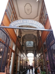 Passage du Grand-Cerf (n° 1 à 59 et n° 2 à 58) -  Paris, Passage du Grand cerf  vers le quartier Montorgueil