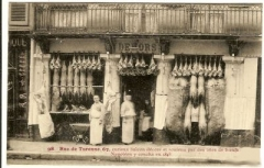 Boutique - English: 67 rue de Turenne (Paris 3 rd arrondissement): Butcher's shop. Postcard around 1900.
