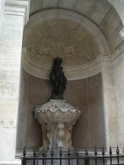 Fontaine publique dite de Joyeuse -  Fontaine Saint-Louis, rue de Turenne in Paris.