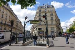 Métropolitain, station Temple -  Temple metro station @ Paris