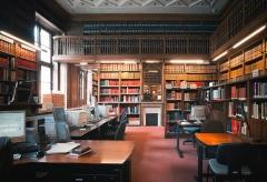 Pavillon de l'Arsenal, actuellement bibliothèque de l'Arsenal -  France, Paris Bibliothèque de l'Arsenal, salle de recherches bibliographiques.