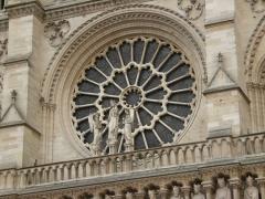 Cathédrale Notre-Dame - Rose occidentale de la Cathédrale Notre-Dame de Paris, France.