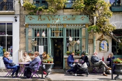 Débit de boisson -  Au Vieux Paris d'Arcole, french restaurant, 24 Rue Chanoinesse, 75004 Paris, France.