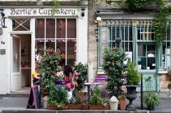 Débit de boisson -  Bertie's CupCakery, 26 Rue Chanoinesse, 75004 Paris, France.