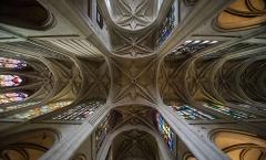 Eglise Saint-Gervais-Saint-Protais - Français:   Église Saint-Gervais-Saint-Protais