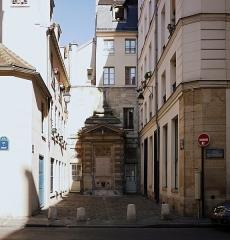 Fontaine dite de Jarente - English: Fontaine de Jarente, Paris IVe arrondissement, France.