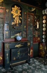 Hôtel Arnaud ou de Rohan-Guéménée - Salon chinois de Juliette Drouet, provenant de Hauteville Fairy, 20 rue de Hauteville à Guernesey, où elle emménagea en 1864, ayant suivi Victor Hugo dans son exil. Le décor a été entièrement conçu par Victor Hugo lui-même. Il est actuellement exposé dans la Maison de Victor Hugo, 6 Place des Vosges à Paris.