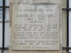 Ancien hôtel de Jassaud - English: Plaque in memory of en:Camille Claudel, 19 quai de Bourbon, Paris 4th arron.