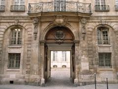 Hôtel Jeanne d'Albret -  Hotel d'Albret, 31 rue des Francs-Bourgeois, Paris