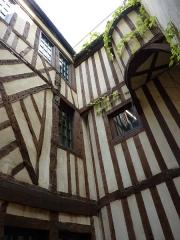Hôtel d'Ourscamp ou de Marsande, dit aussi Maison de l'Ours - Deutsch: Maison d'Ourscamp, Paris