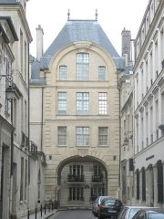 Hôtel - English: Pavillon of the former hôtel de Bretonvilliers, rue de Bretonvilliers, Paris 4th arr. on the île Saint-Louis.