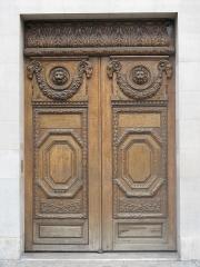 Immeuble - English: Door at the 24 Quai de Béthune, Paris 4th arr.