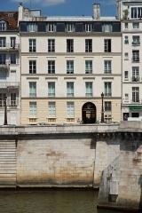 Immeuble - Polski: Biblioteka Polska w Paryżu. Quai d'Orléans, Paryż