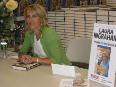 Immeuble - English: Laura Ingraham signs her new book, Power To The People at the Lawrence, NY Costco.