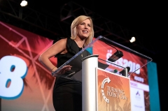 Immeuble -  Laura Ingraham speaking with attendees at the 2018 Student Action Summit hosted by Turning Point USA at the Palm Beach County Convention Center in West Palm Beach, Florida.  Please attribute to Gage Skidmore if used elsewhere.