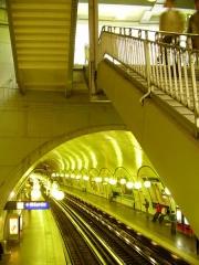Métropolitain, station Cité -  Metro de Paris ligne 4 station Cité