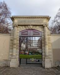 Ancien couvent des Récollets ou ancien hôpital Villemin -  Jardin Villemin @ Paris
