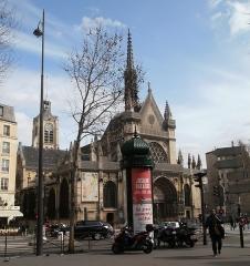 Eglise Saint-Laurent -  Paris, 10ème, un grand moment de solitude, esplanade église St Laurent