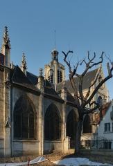 Eglise Saint-Laurent - Français:   Côté sud de l\'église Saint-Laurent, pendant les travaux de réfection du square Saint-Laurent (21 mars 2011).