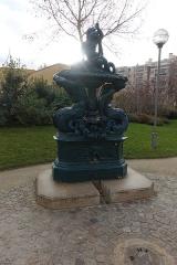 Fontaine -  Jardin Villemin @ Paris