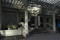 Gare de l'Est - Deutsch: Gare de l'Est (Ostbahnhof) im 10. Arrondissement in Paris (Île-de-France/Frankreich), Eingang an der Rue du Faubourg Saint-Martin