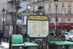 Métropolitain, station Gare du Nord - Français:   Entrée de la station de Métro Gare du Nord, Paris.