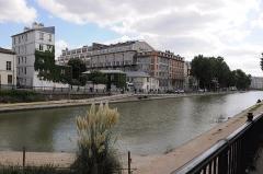Usine électrique - Français:   Bassin des Récollets sur le Canal Saint-Martin à Paris 10e arrondissement en France.