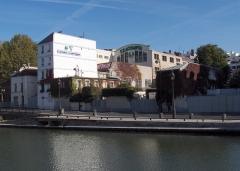 Usine électrique -  Le siège de la société Exacompta-Clairefontaine à Paris (quai de Jemmapes)