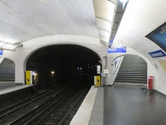 Métropolitain, station Couronnes - English: Metro Station Couronnes, Paris