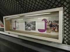 Métropolitain, station Parmentier - Français:   Station Parmentier de la ligne 3 du métro de Paris, France.