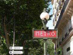 Métropolitain, station République -  Metrô de Paris - 2