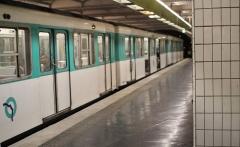 Métropolitain, station Richard-Lenoir - English: Metro station Richard Lenoir on Parisian metroline 5
