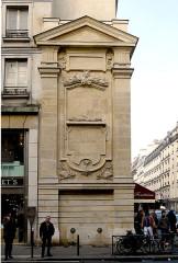 Fontaine dite Trogneux, puis de Charonne - English: Faubourg-Saint-Antoine street - Paris