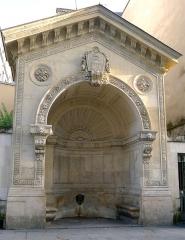 Fontaine de la Roquette - Français:   Rue de la Roquette (fontaine) - Paris XI