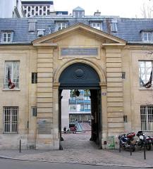 Ancienne caserne des Mousquetaires Noirs, dans l'actuel Hôpital des Quinze-Vingts (Centre d'ophtalmologie) - English:   Quinze-Vingt hospital - Paris
