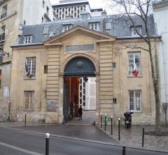 Ancienne caserne des Mousquetaires Noirs, dans l'actuel Hôpital des Quinze-Vingts (Centre d'ophtalmologie) - Français:   Ancienne caserne des Mousquetaires noirs - Paris 12ème arrondissement