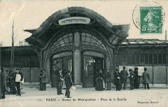 Métropolitain, station Bastille - Français:   Carte postale ancienne éditée par les Magasins Réunis, n°171: PARIS - Station du Métropolitain - Place de la Bastille