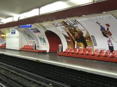 Métropolitain, station Daumesnil -  Quai direction Étoile de la station de métro Daumesnil, ligne 6 à Paris.