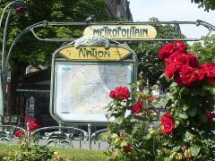 Métropolitain, station Nation - Français:   Station Guimard