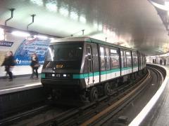 Métropolitain, station Nation -  Le MP 89 CC n° 49 à Nation sur la ligne 1