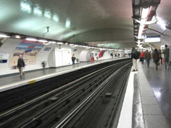 Métropolitain, station Nation -  Métro de Paris, Station Nation (ligne 1), Paris, France
