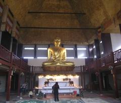 Ancien musée du Bois, actuellement Institut International Bouddhique - Deutsch: Der grosse Buddha der Pagode des Bois de Vincennes