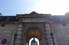Hôpital de la Salpêtrière -  Hôpital Pitié-Salpêtrière @ Paris