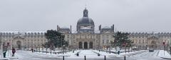 Hôpital de la Salpêtrière - English: The Pitié-Salpêtrière Hospital under the snow. Paris, 13th arrondissement.