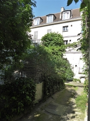 Maison - Français:   Rue des Gobelins 3 bis cour arrière